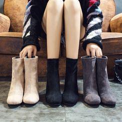 Putcho - Velvet Block-Heel Short Boots