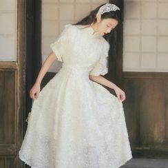 OOMOKU - Short-Sleeve Textured Midi A-Line Qipao Dress