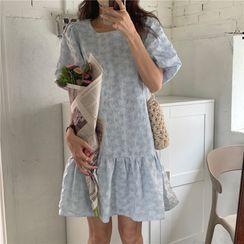 Moss Studio - 泡泡袖印花直筒连衣裙