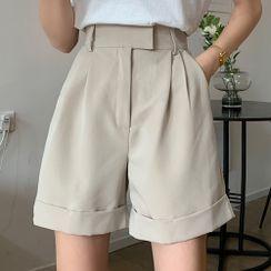 Shopherd - High-Waist Shorts