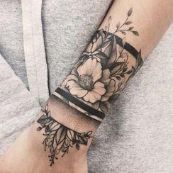 METZ - Flower Waterproof Temporary Tattoo