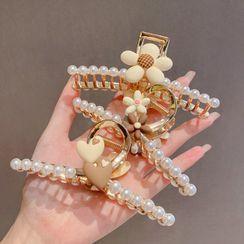 Oohlala! - Flower / Heart Faux Pearl Hair Clamp (various designs)