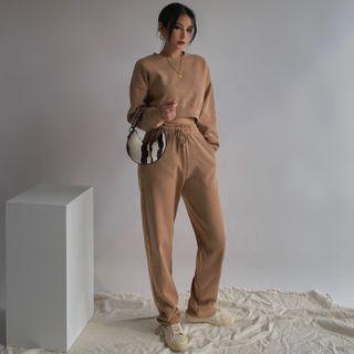 Colada - Dip-Back Cropped Sweatshirt / Loose-Fit Drawstring Harem Pants