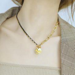 Tenri(テンリ) - Smiley Pendant Asymmetrical Stainless Steel Necklace