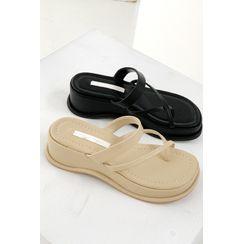 SIMPLY MOOD - Toe-Loop Strappy Wedge Sandals