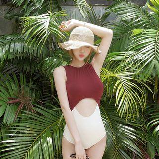 Clair Fashion - Cutout Swimsuit