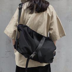 Novila - 饰扣尼龙斜挎包
