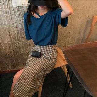 Bakli - Elbow-Sleeve Cutout T-Shirt / Plaid Midi H-Line Skirt
