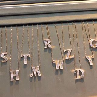 BURMASTIN(バーマスティン) - 925 Sterling Silver Alphabet Pendant Necklace