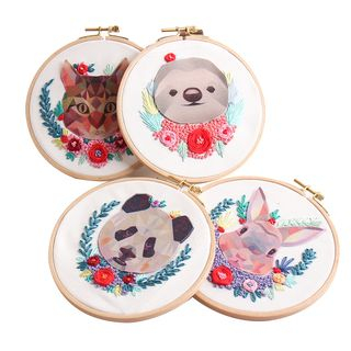 Embroidery Kingdom -  Fabric Animal  DIY Embroidery Kit
