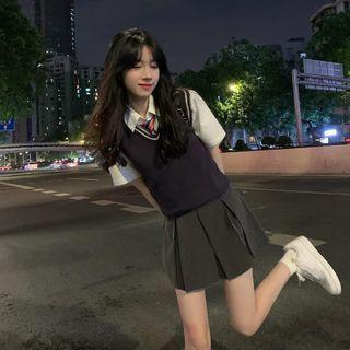 Concerindo - Short-Sleeve Shirt / Contrast-Trim Knit Vest / Plain Pleated Mini Skirt