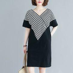 Bohomina - 短袖條紋拼接直身連衣裙