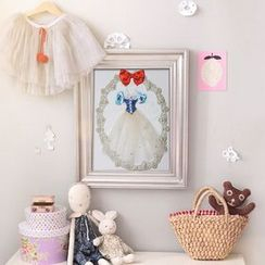 LIFE STORY - Princess Dress Appliqué Frame Hanging Decoration