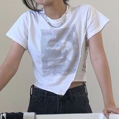 monroll - Short-Sleeve Printed Crop T-Shirt