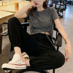 Robynn - 套装: 短袖T裇 + 九分哈伦裤