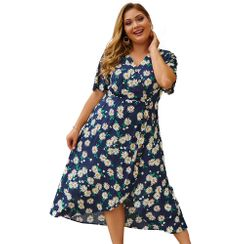Abuk - Plus Size Short-Sleeve Flower Print A-Line Dress