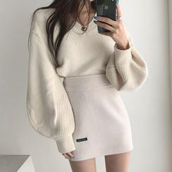 Coris - V-Neck Lantern-Sleeve Sweater / Mini Pencil Skirt