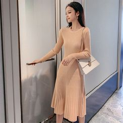 Yaonee - Ribbed Long-Sleeve Midi Knit Dress