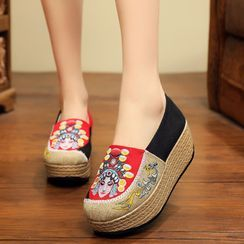 Kyotopia - Chinese Opera Embroidered Platform Espadrille Slip-Ons