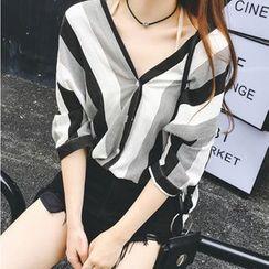 Kira Kira - 条纹V领中袖衬衫