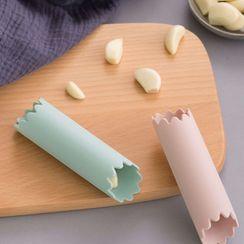 Home Flora - Silicone Garlic Peeler