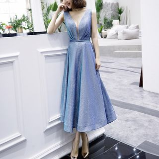 Sennyo - V-Neck Pleated Glittered Sleeveless Cocktail Dress