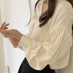 Hello sweety - Sailor-Collar Pintuck-Sleeve Blouse