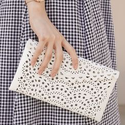 CLICK(クリック) - Scallop-Edge Perforated Clutch