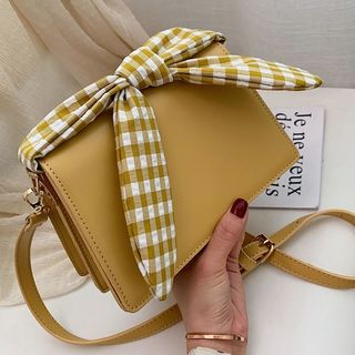 Szeta - Bow Accent Crossbody Clutch