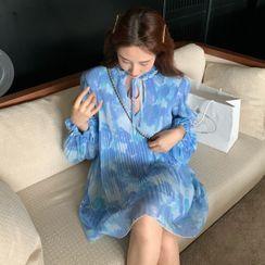 Melekok - Puff-Sleeve Floral Print Midi Chiffon Dress