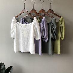 BiBiQueen - 纯色泡泡袖V领皱褶上衣