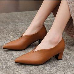 Freesia - 仿皮尖頭粗跟輕便鞋