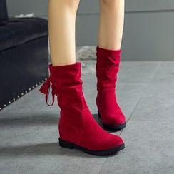 天姿 - 仿麂皮吊蘇皺褶內增高中筒靴