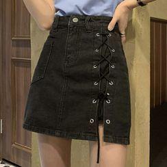 KARLY(カルリー) - Lace-Up Denim Mini Pencil Skirt