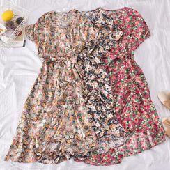 Dudu - Flower Print Short-Sleeve Midi Shift Dress