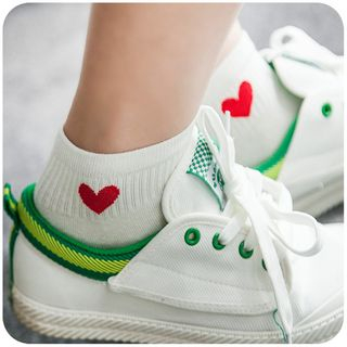 Momoi - Heart Embroidery Socks
