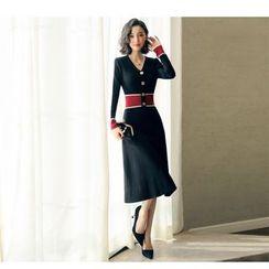 NIAT - V-neck Long-Sleeve Knit Midi Dress