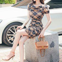 Cape Jasmine - Plaid Short-Sleeve Sheath Dress