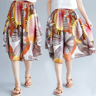 RAIN DEER - Knee-Length Floral Print Wide Leg Shorts