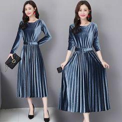 Glaypio - Velvet Long-Sleeve Pleated Midi Dress