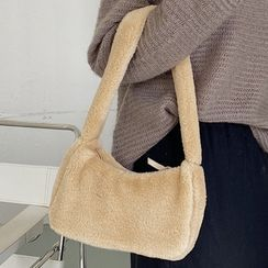 Emvee - Fluffy Zip Shoulder Bag