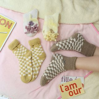 Chimi Chimi - 圆点珊瑚绒袜子