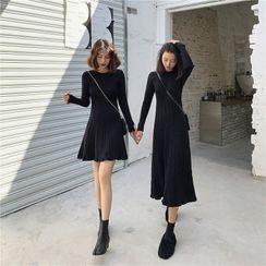 Luminato - Long-Sleeve Plain A-Line Knit Dress