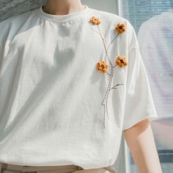 CHIC ERRO  - Floral Applique Short-Sleeve Tee