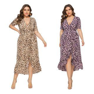 Chelsie Chic - Plus Size Leopard Print Tie-Waist A-Line Dress