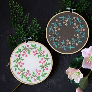 Embroidery Kingdom - Floral DIY Embroidery Kit