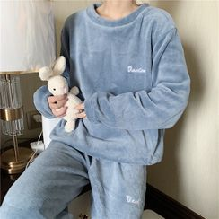WIKPROM - Long-Sleeve Lettering Fleece Pajama Set