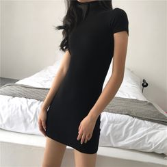 Brigid - Short-Sleeve Mock-Neck Mini T-Shirt Dress