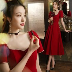 Sennyo - Beaded Trim Square Neck Short Sleeve Midi A-Line Cocktail Dress