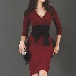 Tanzil - V-Neck 3/4-Sleeve Sheath Dress